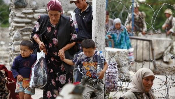 Özbek-mülteciler